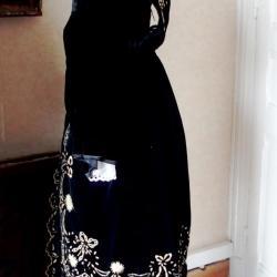 Costume de la région d Auray - vue de profil