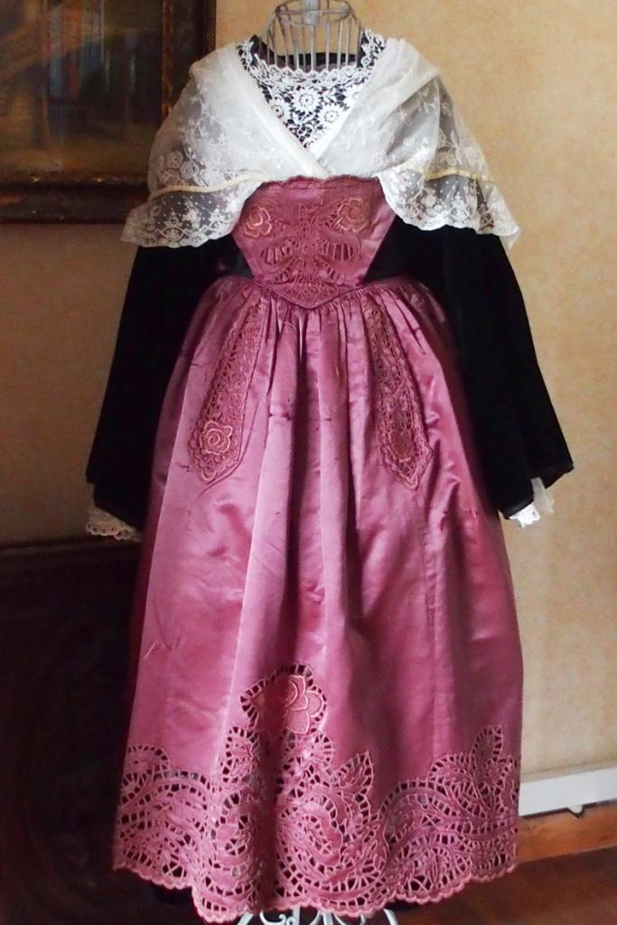 Costume de Plumelec Gallo années 1910 - vue de face