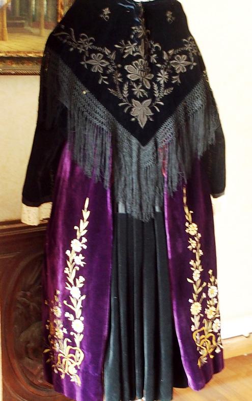 Costume de Vannes 1920 - Vue de dos