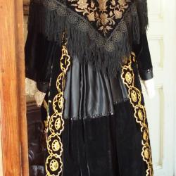 Costume de Vannes avec châle en velours brodé - vue de dos