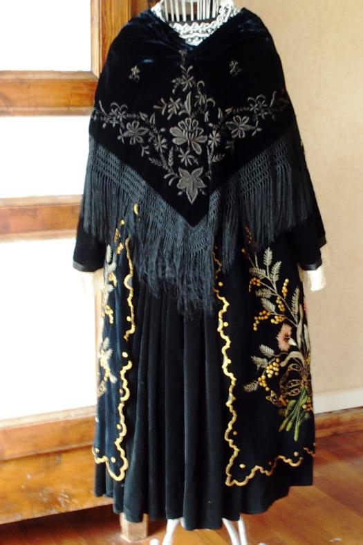 Costume de Vannes des années 30 - Vue de dos