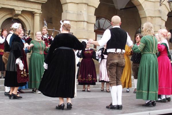 03092016 danses bretonnes avec les bavarrois