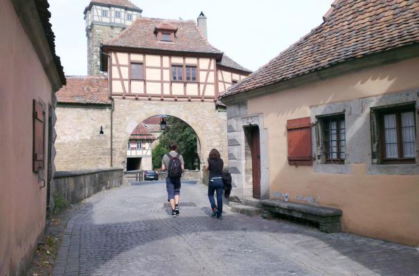 03092016 entree dans la ville de rothenburg