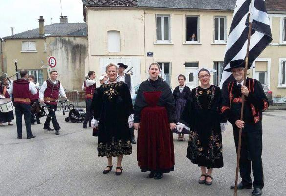 05062016 pause photo au milieu du defile