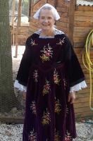 07062019 francoise en costume d auray a chateau landon