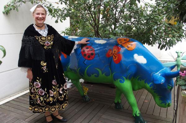 13022018 en costume vannetais avec la vache bleue 1