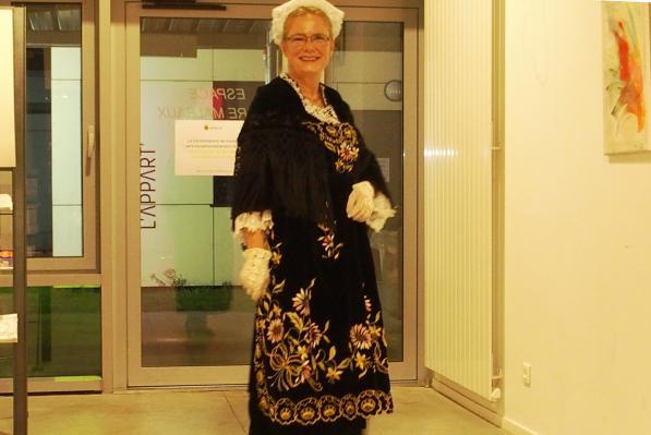 16122016 en costume de vannes dans le hall