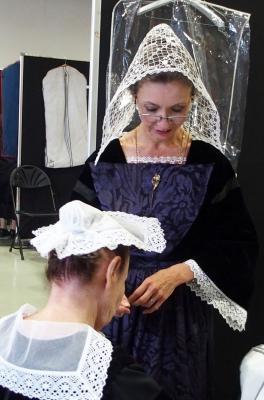 17092016 mireille et sa coiffe de baud vue de face