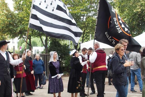 17092016 nos fiers porteurs de drapeaux