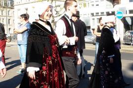 Belle mode a chale pour les danseuses de vannes