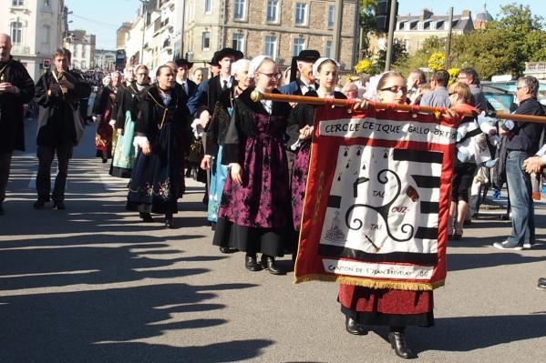 Cercle celtique gallo breton tal ouzh tal