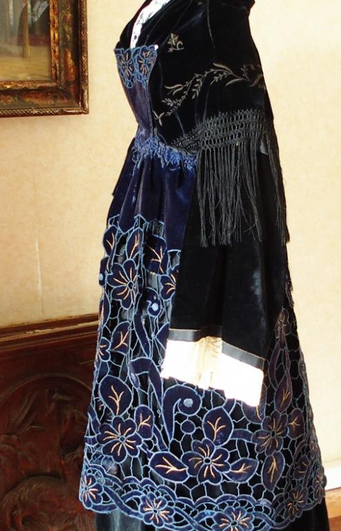Costume avec tablier de plumelec 1940 50