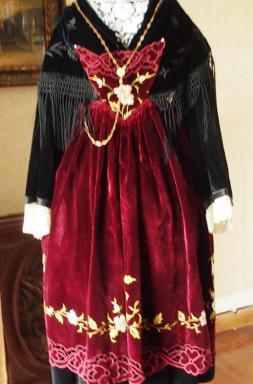 Costume de Muzillac avec chaine chatelaine