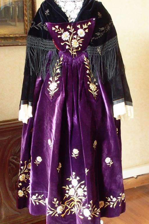 Costume de vannes 1920 vue de face