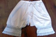 Culotte fendue en coton avec dentelles