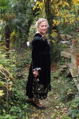 Dans le jardin en costume de pontivy