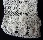Detail gants de costume breton