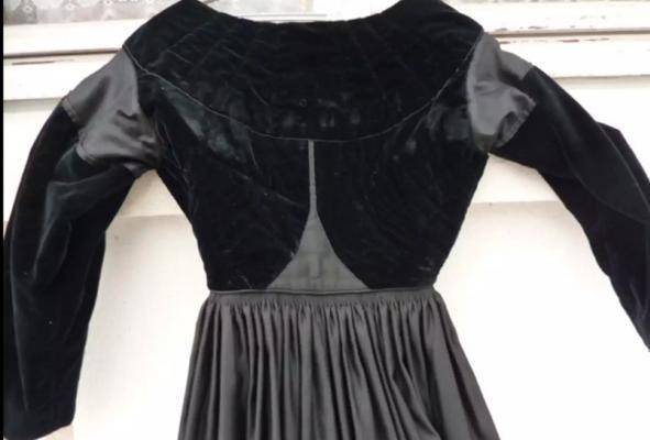 Dos de robe de baud 1