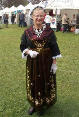 En costume de rhuys a la journee des associations