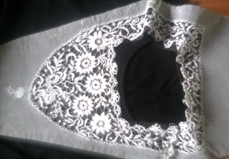 Guimpe pour costume de vannes avec chale 1