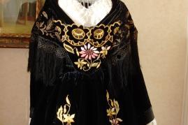 Haut de costume de vannes avec chale velours noir brode