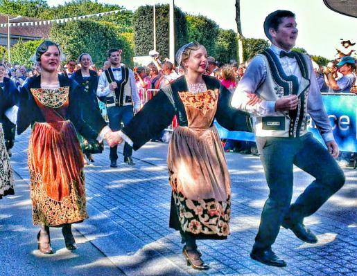 Danseurs et danseuses d'Auray