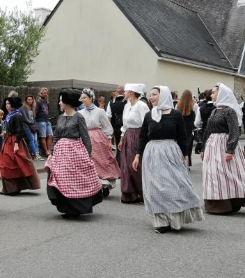 Costumes de travail feminins variés