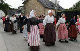 Danseuses de Vannes en costumes de travail