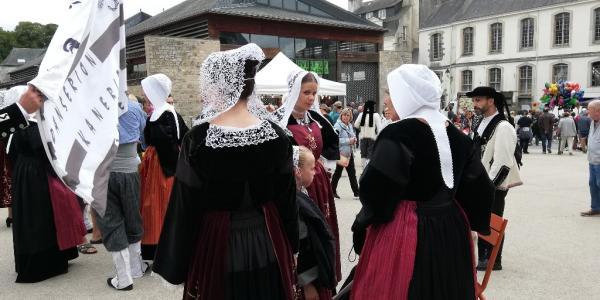 Danseuses et danseurs de Melrand