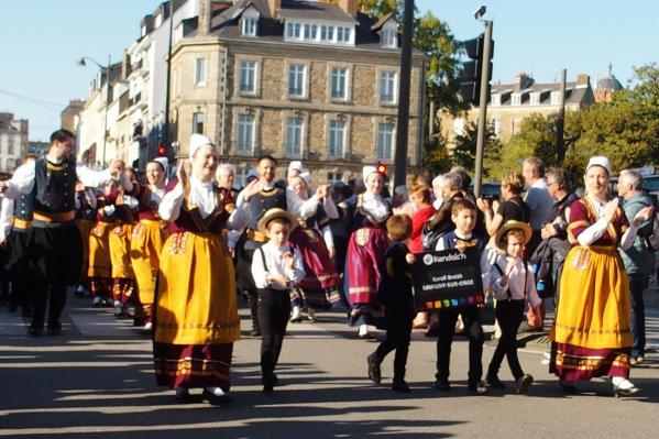 Les enfants de koroll breizh ouvrent la marche