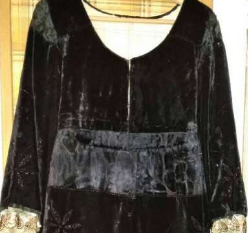 Robe avec encolure arrondie