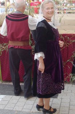 Tablier richelieu en velours violet pour costume de baud vinay