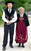 Un beau couple en costume vannetais gallo de muzillac